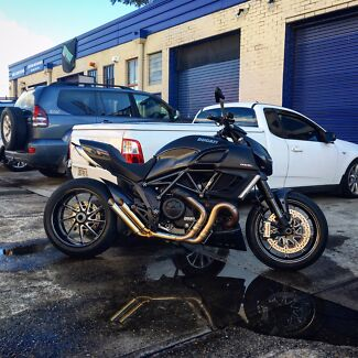 2011 Ducati Diavel Carbon *****PRICE IS FIRM******