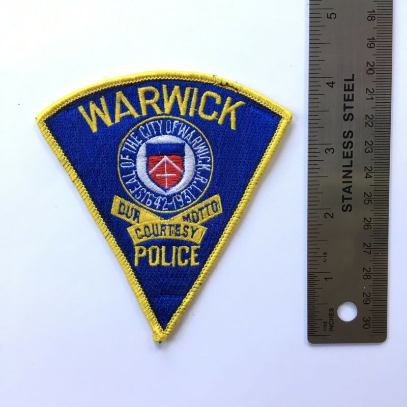 WARWICK RI PATCH FIRST ISSUE SHOULDER Vintage Triangle SSI Blue Yellow