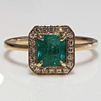 50% off Emerald diamond ring and band set 18k gold