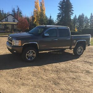 Lifted Chevy half ton 150,000 Kms