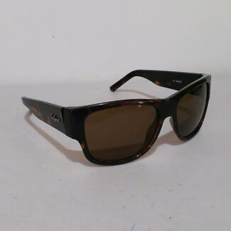 Le spec designer sunglasses with padded case Bethania Logan Area Preview