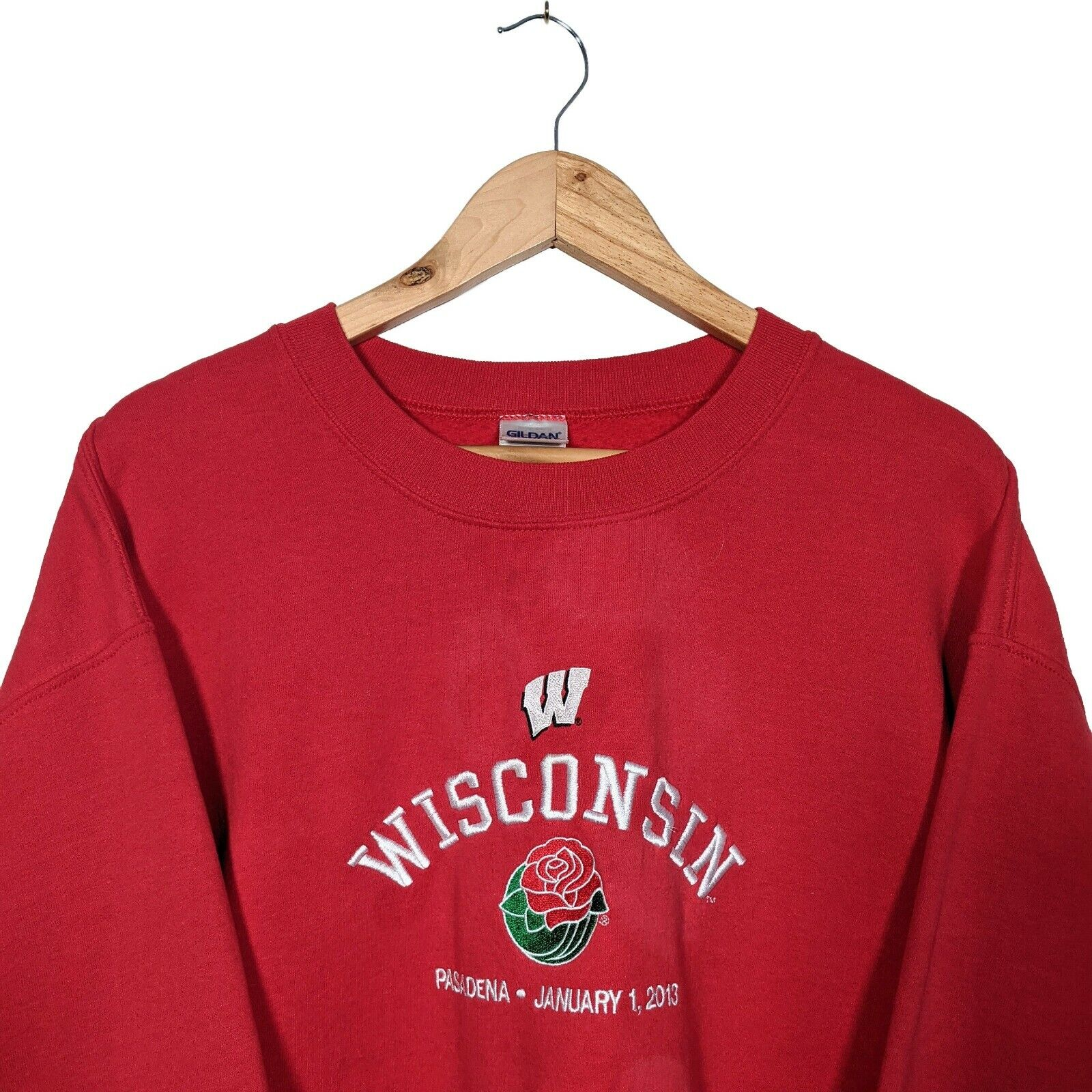 USA Wisconsin College Rosebowl 2013 Red Embroidered Sweater- Mens L