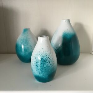 White and turquoise vases