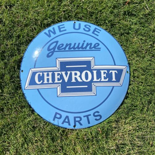 "VINTAGE ""CHEVROLET SERVICE ORIGINAL PARTS"" PORCELAIN METAL GAS AND OIL PUMP SIGN"