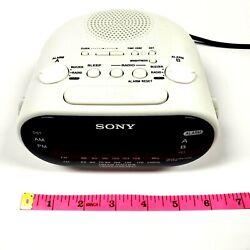 Sony Dream Machine ICF-C318 Radio Alarm Clock Dual AM FM White Auto Time Set