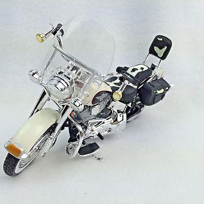 Harley-Davidson DieCast Model FLSTN Heritage Softail Motorcycle 1:18 1993 787093
