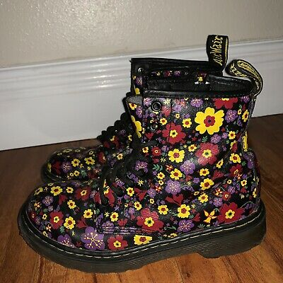 Dr Martens Delaney Flowered boots 2 US