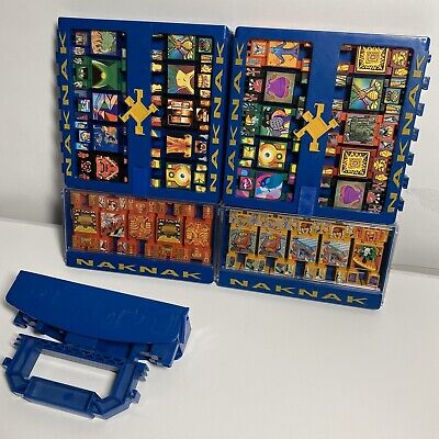 Lot of 30 NakNak Stacking Battle Figures With Carrying Case Hasbro- 2002