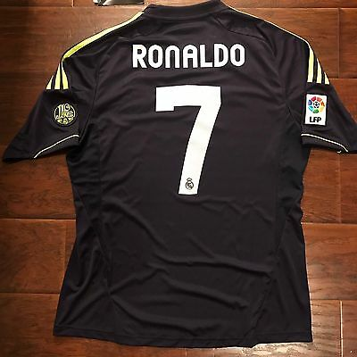 pretty nice 462d1 3d2d7 Clothing - Real Madrid