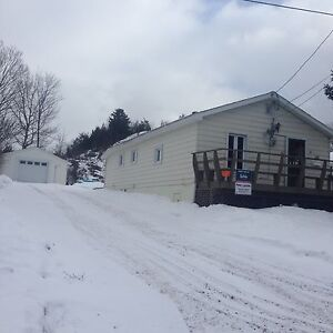 Detached home with garage for rent in blind river