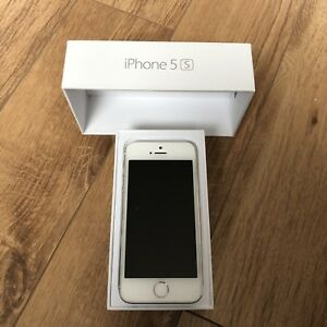 iPhone 5s 32gb unlocked white blanc