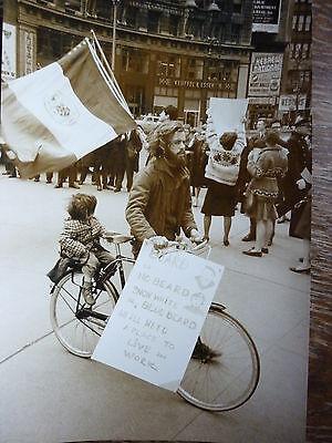 Dan Budnik Photo Künstler- Demo 1964 Vintage New York Foto silver print US