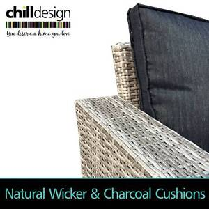NEW Wicker outdoor furniture 2 seat + 3 seat lounge with table