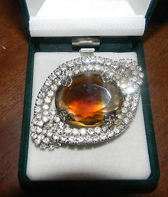 1950' British Vintage Faceted Topaz Glass Rhinestones Rhodium Plated Brooch  ()