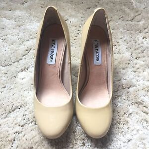 Barely used Steve Madden pumps