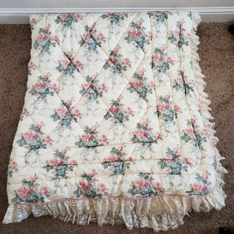 Vintage Croscill Kodofill Polyester Style #6965 Full Size Floral Lace Blanket*
