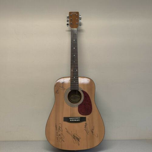 Tyler Mountain Acoustic Guitar autograph signed The Henningsens Love and Theft