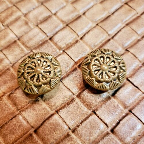 """TWO HEAVLY EMBOSSED BRASS/METAL BUTTONS - BEAUTIFUL DETAILS - 9/16"""""""