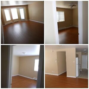 Available JULY 1-Great Location-725$ -1 month free w/years lease