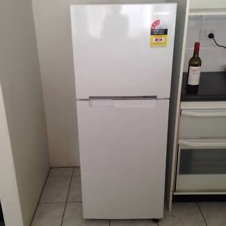 SAMSUNG 228L Refrigerator (As new) Untill 31/08/15 No more St Leonards Willoughby Area Preview