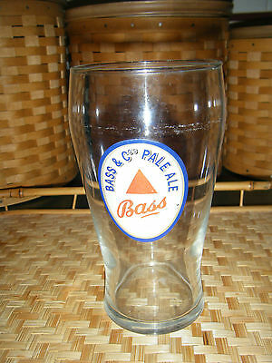 (Vintage Bass & Co.'s Pale Ale Pub Style Glass)