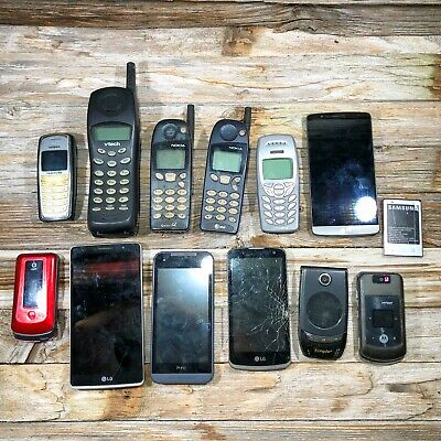 LOT OF 12 ASSORTED OLD USED CELL PHONES , Nokia, LG. Motorola, Vtech, HTC,