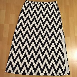Chevron maxi skirt, size large