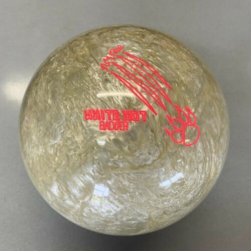 900Global White Hot Badger  Bowling Ball 1ST QUALITY 16 lb new in box   #144