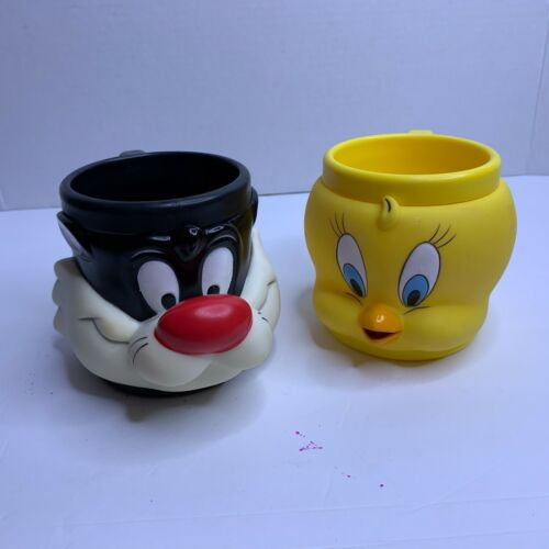 Rare 1992 SYLVESTER THE CAT AND TWEETY BIRD HARD RUBBER - PLASTIC CUP MUGS