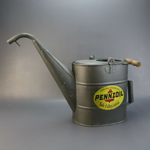 PENNZOIL Safe Lubrication Tin Oil Filler Can with Spout and Wood  Handle