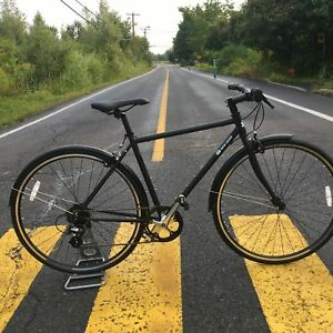 Velo hybride , city bike ,velo de ville neuf