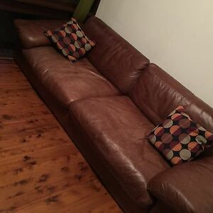 Bay Leather Republic 3.5-seater for sale at great price Naremburn Willoughby Area Preview