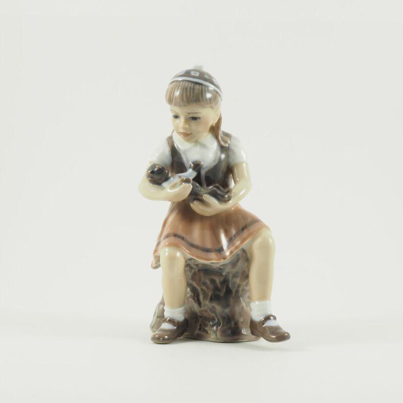 """Dahl-Jensen Porcelain figurine Little Girl """"Bente"""" Copenhagen Denmark,  #1295 /c"""