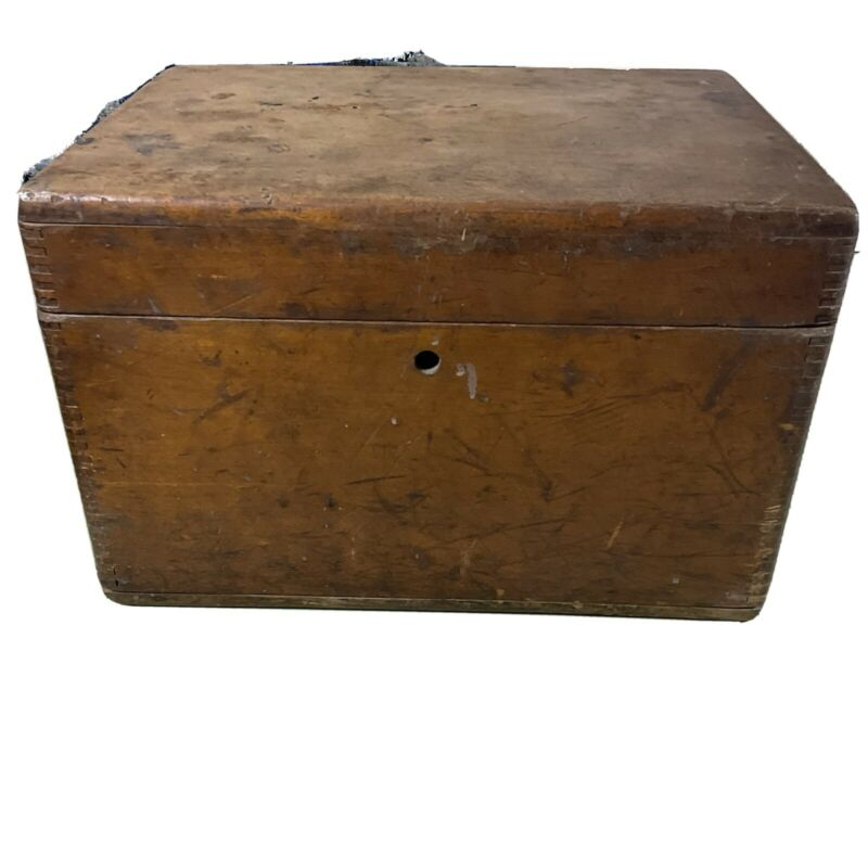 Us Military Wooden Field Desk Box 1920 Original Soliders Names Inside