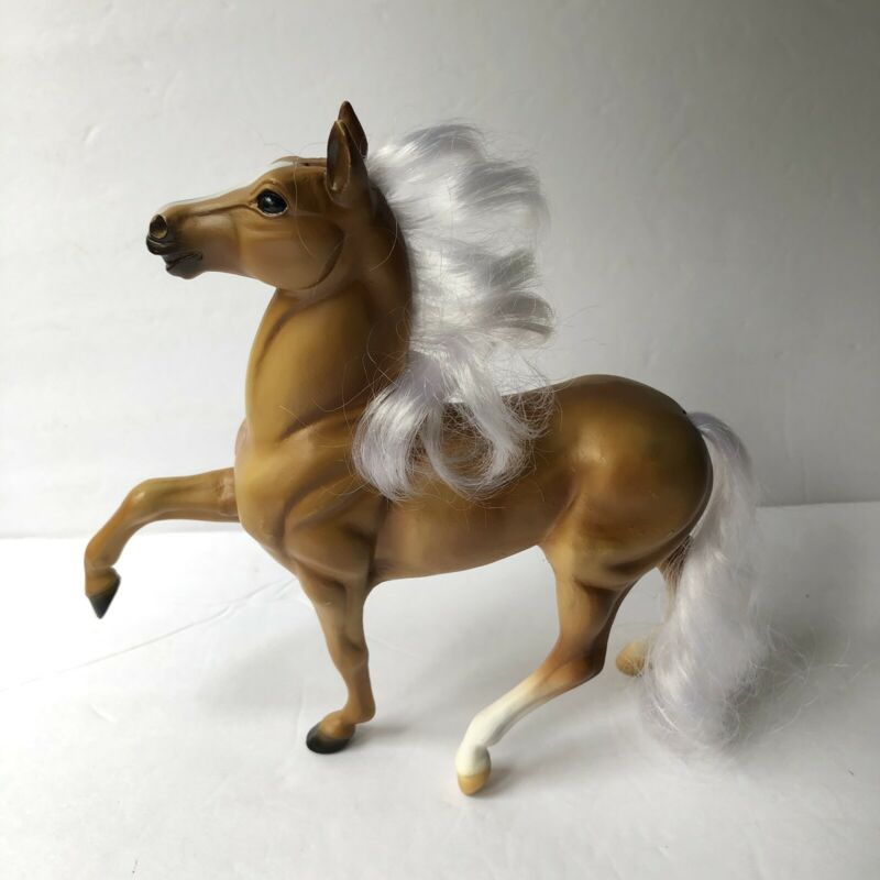 """2007 Breyer Ponies Horse Palomino with Brushable Hair 6"""""""