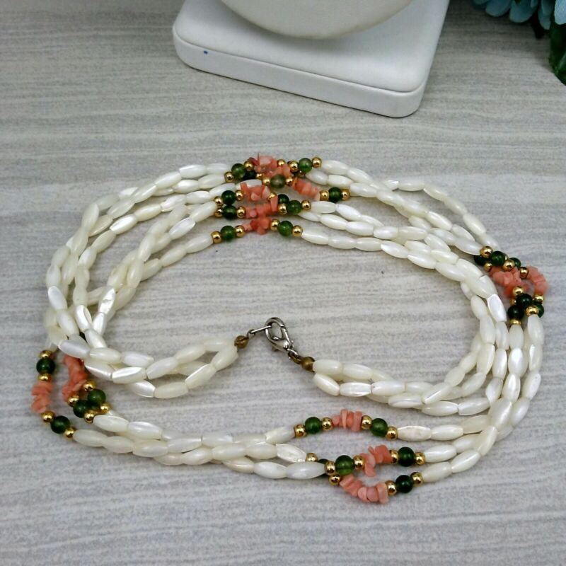 """MAMAS ESTATE VINTAGE MOTHER OF PEARL NECKLACE 24"""" #C5-9"""