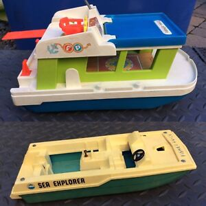 2 bateaux Fisher Price 1972 & 1976 excellente condition
