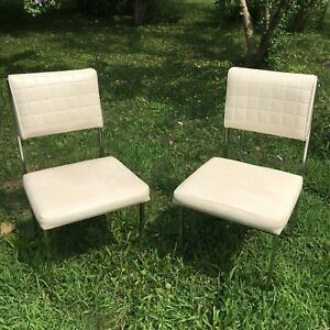 Set of 2 creamy white vintage vinyl chrome chairs