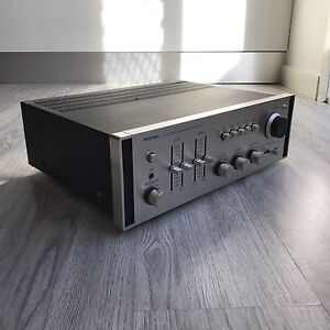 ROTEL RA810 Stereo integrated amplifier Sunshine North Brimbank Area Preview