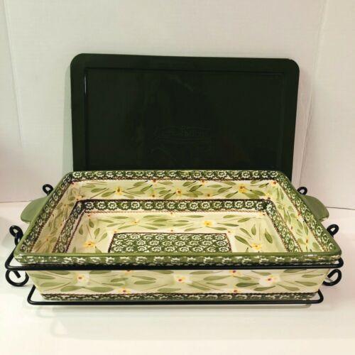 Temptations Ovenware Old World Green 13x9 Casserole Dish Plastic Lid Metal Stand