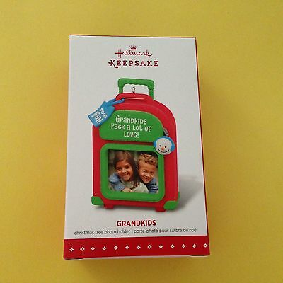 (Hallmark Grandparents Ornament Photo Picture Frame Suitcase Grandkids Pack Love)