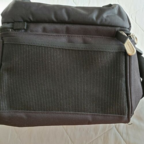 INSULATED DUAL COMPARTMENT LUNCH BAG/ BOX ( ZOOM GEAR ) ( NEW )