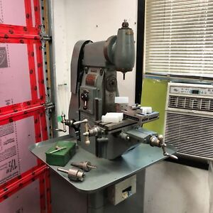 Small milling machine