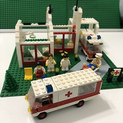 Vintage 1987 LEGO 6380 6680 Hospital Emergency Treatment Center Ambulance Town