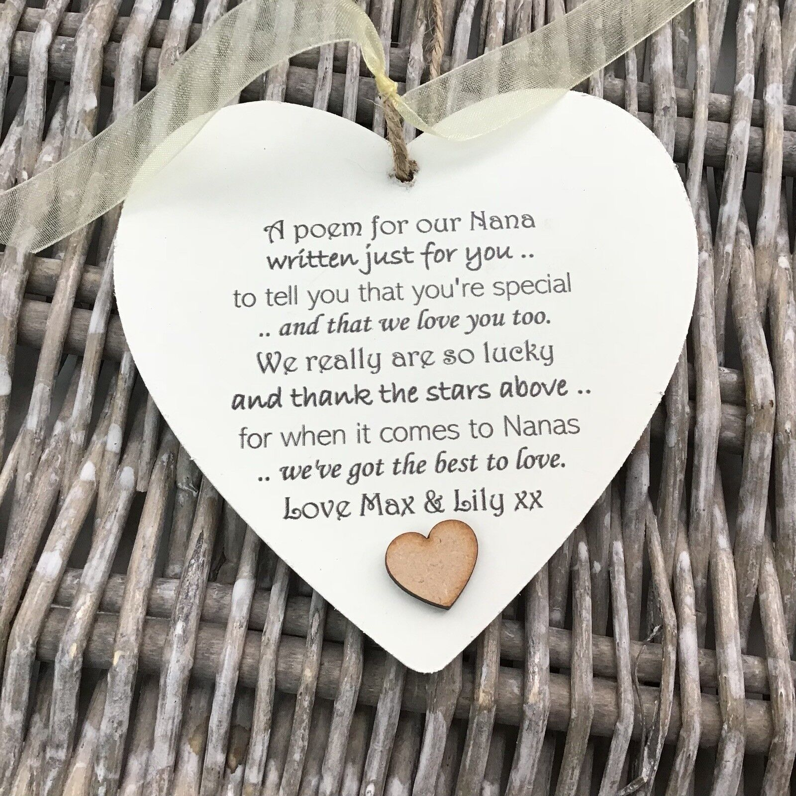 Shabby personalised Gift Chic Heart Plaque Special Nanny ~ Nana Or ANY NAME Gift - 233008500243