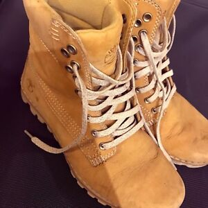 Size 36 Timberlands boots