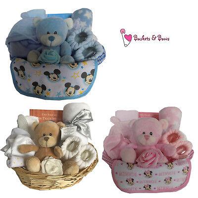 Deluxe Baby Gift Hamper Basket - Baby Shower / Baby Gifts / Girl / Boy / (Deluxe New Baby Girl Basket)