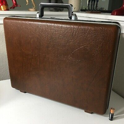 Vintage SAMSONITE Omega Brown Briefcase Attache Case Combination Lock NICE