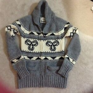 TNA sweater, zipup, 100% Lambswool good condition