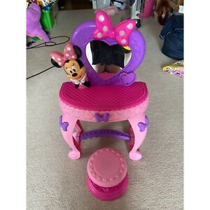 Minnie mouse toy vanity